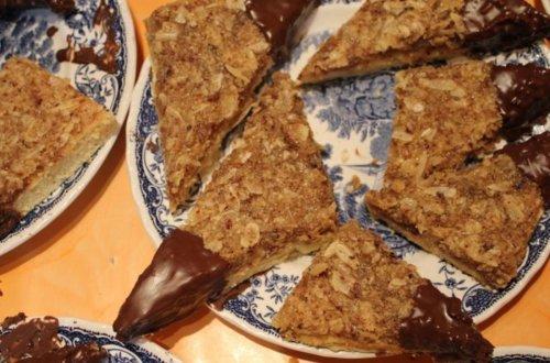 Nussecken mit Teig und Butter - Rezept mit Bild