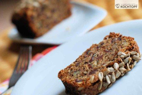 Gesund und köstlich – Walnuss-Bananen-Dattel-Kuchen