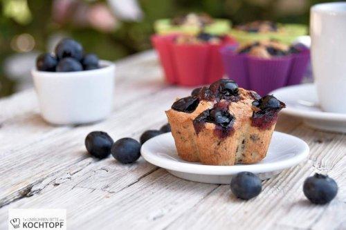 Blaubeer-Muffins mit zweierlei Schokolade {mit und ohne Thermomix}