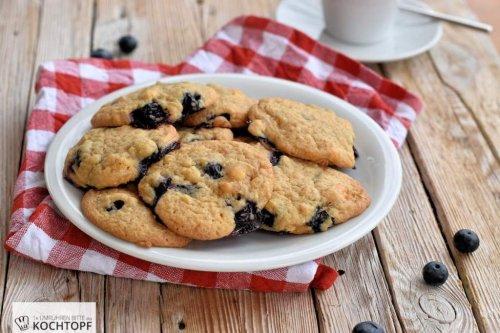 Softe Blaubeer-Cookies mit Milk Crumbs