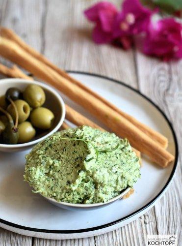 Cremiger Frischkäse-Dip mit Rucola – so lecker & in 5 Minuten gemacht!