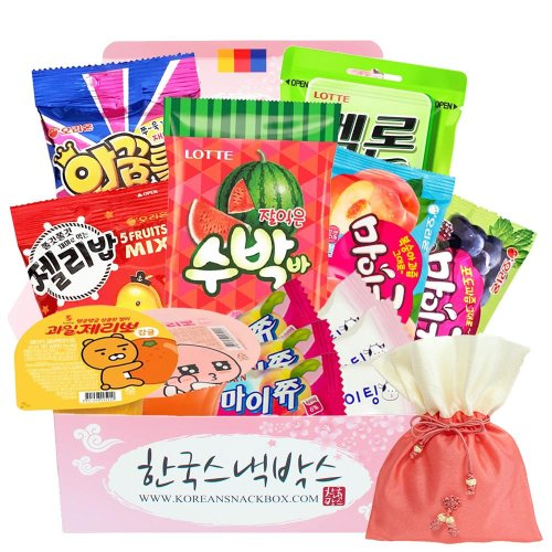 Curated best Korean snacks from Korean Snack Box