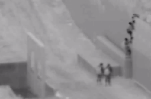 Video shows smuggler drop 2-year-old over border wall into father's arms in San Diego County: CBP