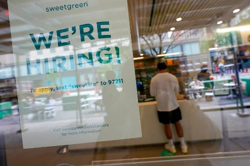 Unemployment claims fall to a pandemic low of 498,000 signaling job market's growing strength
