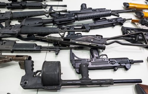 9th Circuit court blocks federal judge's decision to overturn California's assault weapons ban