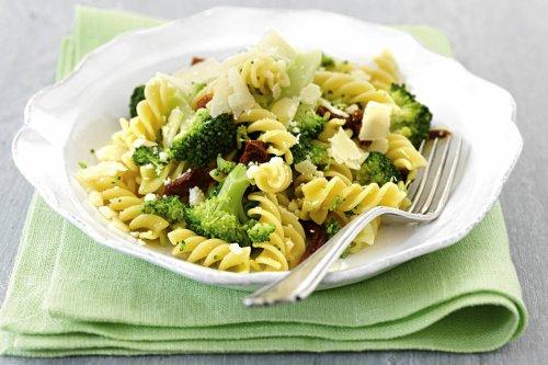 Schnelle Fusilli mit Brokkoli