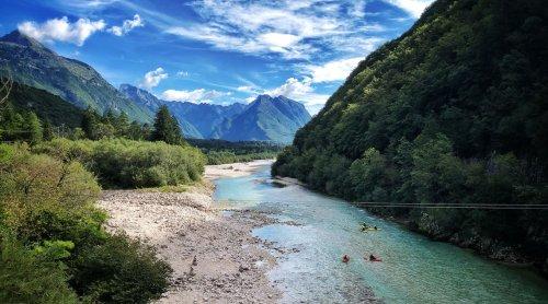 Roadtrip durch Slowenien – Zwischen türkisfarbenen Gebirgsflüssen, mystischen Klammen und majestätischen Berglandschaften – Kulturtänzer