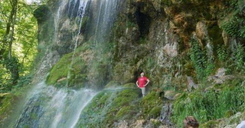 Deutschland schönster Wandweg: Unter und über dem Wasserfall