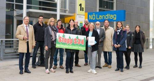 S34-Gegner übergaben 10.370 Unterschriften an den Landtag