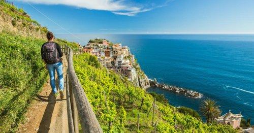 Wandern im Postkartenmotiv der Cinque Terre
