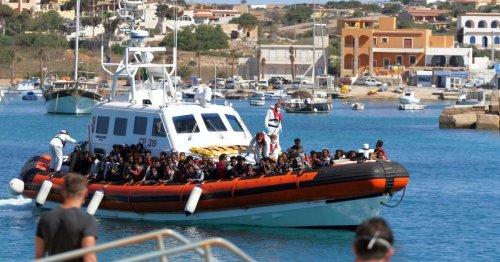 Flüchtlingskrise: Lager auf Lampedusa erneut überfüllt
