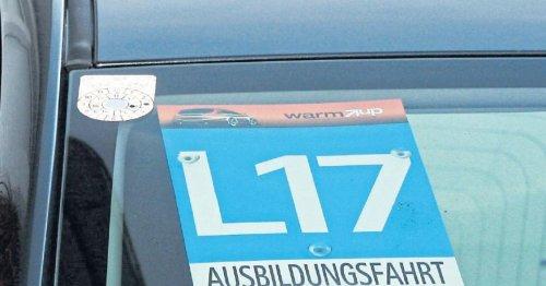 Führerschein: Wochenlanges Warten auf L17-Tafeln