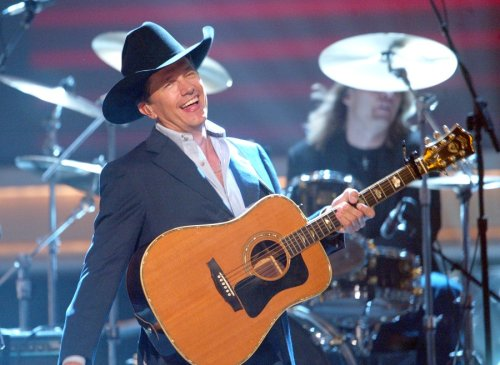 George Strait, Willie Nelson to play at Moody Center's grand-opening celebration