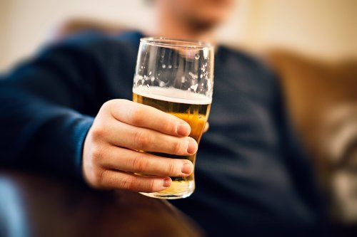 An alcoholic drink a day may keep the heart doctor away, new study says