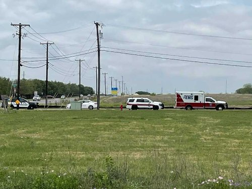 Round Rock police report to scene of barricaded person in vehicle Tuesday afternoon