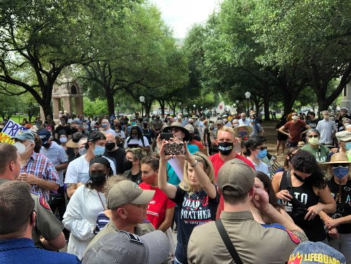Texans rally against proposed changes to voting rules at State Capitol