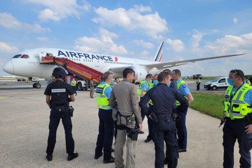 Conseil constitutionnel : Air France face à l'obligation de reconduite des étrangers non admis en France