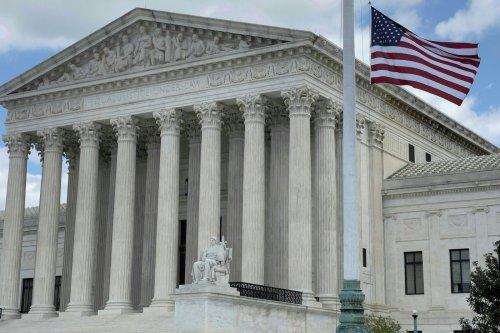 États-Unis : la Cour suprême refuse d'invalider la loi de Barack Obama sur l'assurance santé
