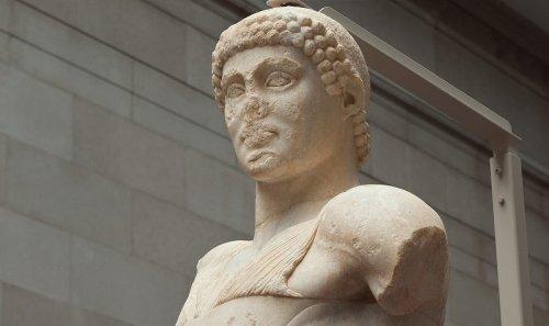 Pitágoras de Regio, el primer escultor griego que representó con detalle el cabello y otros elementos anatómicos