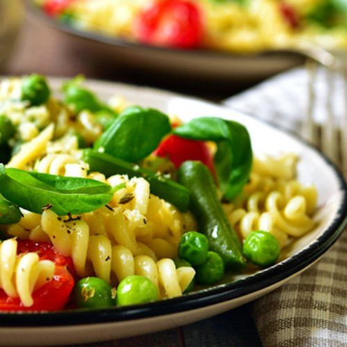 Simple and Easy Vegetarian Italian Pasta Salad Ideas
