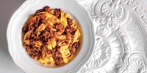 Ricetta Tagliatelle con ragù alla bolognese - La Cucina Italiana
