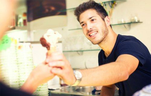 7 regole per il gelato artigianale: come riconoscere quello vero - La Cucina Italiana