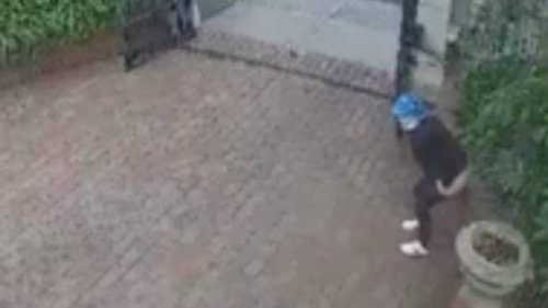Person In Ritzy Melbourne Suburb Caught Pooing In Someone's Driveway