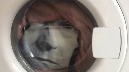 Man Freaks Out After He Notices Face In Washing Machine Staring At Him