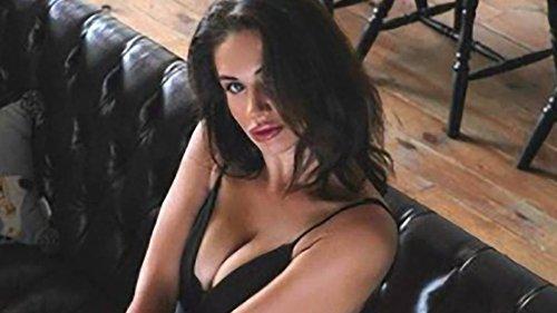Model Who Posed Naked On Dubai Balcony Says She's 'Ashamed' Of Stunt