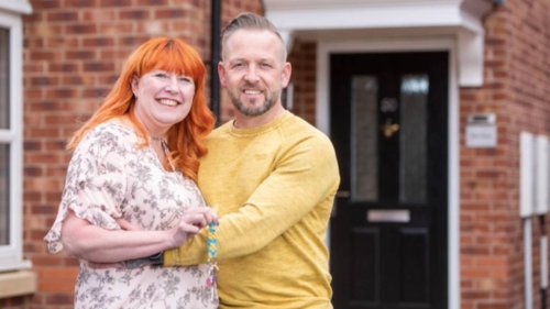Married Couple Who Lived Apart For 20 Years Finally Move In Together
