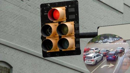Woman's Red Light Manoeuvre Sparks Debate Online