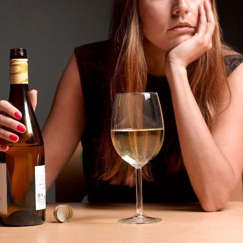 Alcool, paroles de femmes - Elle