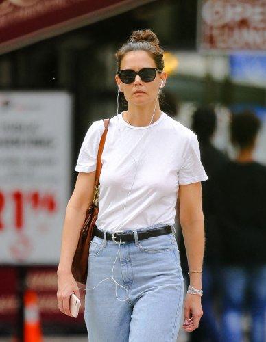 Katie Holmes adopte les chaussures que tout le monde veut au printemps - Elle