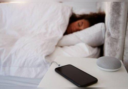 Voici pourquoi il ne faut jamais laisser son téléphone charger toute la nuit