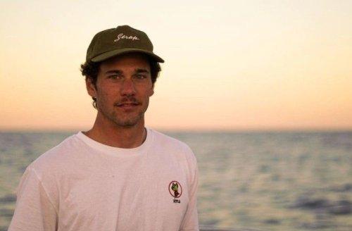 Le surfeur espagnol Óscar Serra est mort à 22 ans