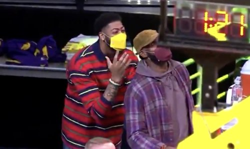 Video: Anthony Davis trolls LeBron James in hilarious fashion during Lakers-Celtics game