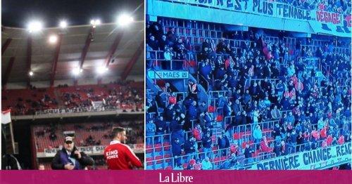 """""""Grosjean dégage"""", """"Nouveau staff, dernière chance"""": les supporters mettent la pression dans les gradins de Sclessin (PHOTOS)"""