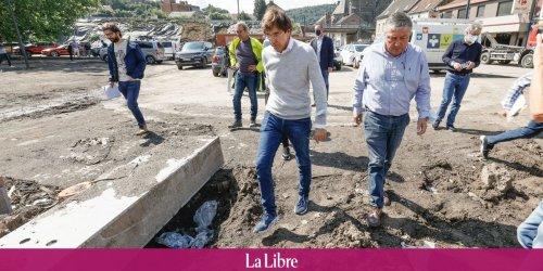"""""""Je n'ai plus rien !"""" : Elio Di Rupo pris à partie par une habitante de Pepinster"""