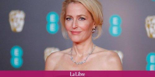 """Gillian Anderson assume totalement de ne plus porter de soutien-gorge: """"Je m'en fiche si mes seins atteignent mon nombril"""""""