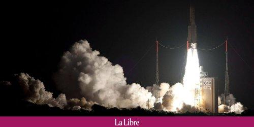 Décollage réussi de la fusée Ariane 5 avec à son bord un satellite européen