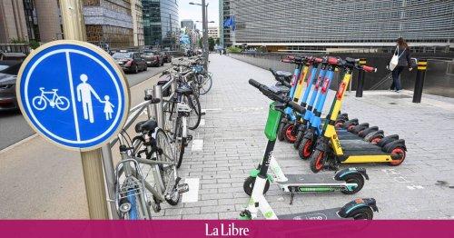 Trottinettes et vélos partagés: le Parlement bruxellois veut remettre de l'ordre