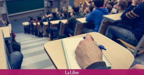 Malgré des résultats brillants en fin de master, Loïc ne bouclera pas ses études cette année à cause d'un cours de... 2e bac