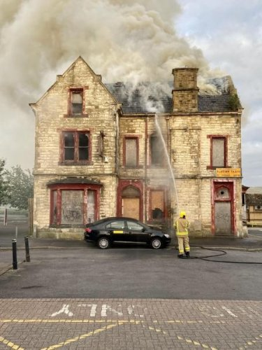 Fire breaks out at derelict pub