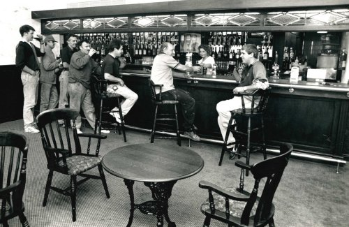 Photos offer look inside East Lancashire pubs over the years