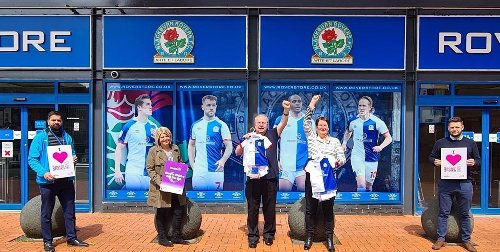 Blackburn Rovers help deliver 300 Eid gift bags with last minute £3,000 donation