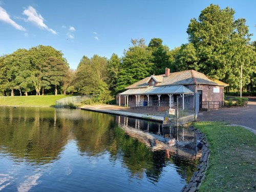 'Let's bring back the boats': Calls to re-open boat house at 'beautiful' park