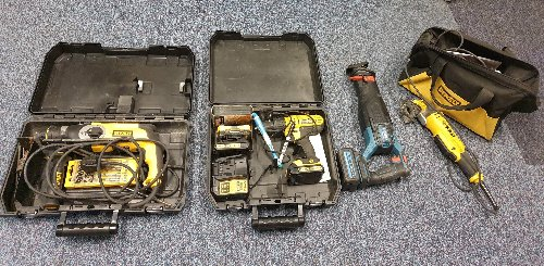 Men found with suspected stolen tools after police stop in early hours of Sunday morning