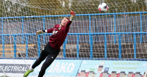 Burnley goalkeeper on learning from 'mentors' Hart, Pope and Heaton at Turf Moor