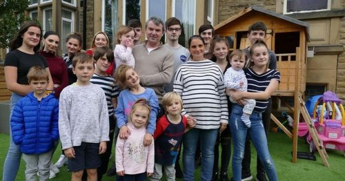 The Radford Family show how they mark all their 22 children's birthdays