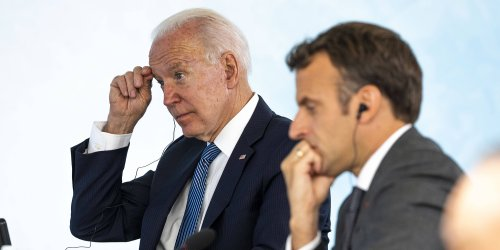 """Crise des sous-marins : Joe Biden a-t-il """"trahi"""" la France?"""
